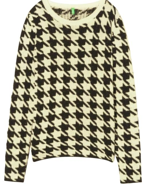 Item - Houndstooth Black and White Sweater