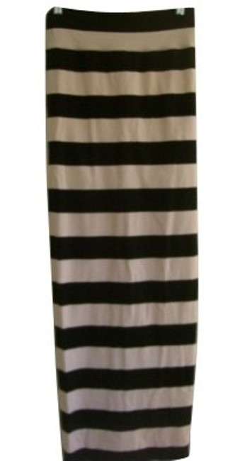 Preload https://item2.tradesy.com/images/free-people-black-and-white-long-casual-maxi-dress-size-4-s-131-0-0.jpg?width=400&height=650