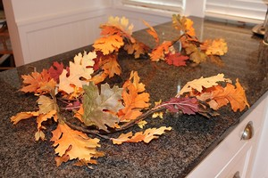 Pottery Barn Red/Orange/Brown Fall Leaf Garland Reception Decoration