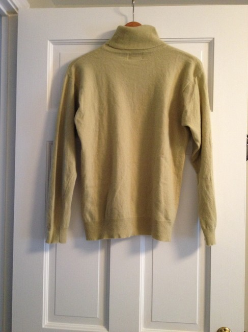 Sutton Studio Cashmere Australian Turtleneck Sweater