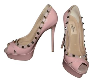 Valentino Black Patent Leather Studded Blush/Light Pink/Nude Pumps