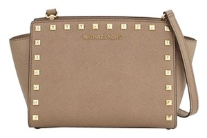 MICHAEL Michael Kors Mk Selma Studded Cross Body Bag
