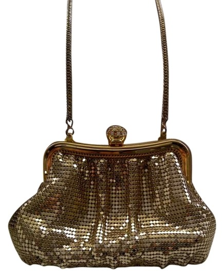 Preload https://item3.tradesy.com/images/whiting-and-davis-vintage-evening-gold-metal-mesh-clutch-131117-0-0.jpg?width=440&height=440