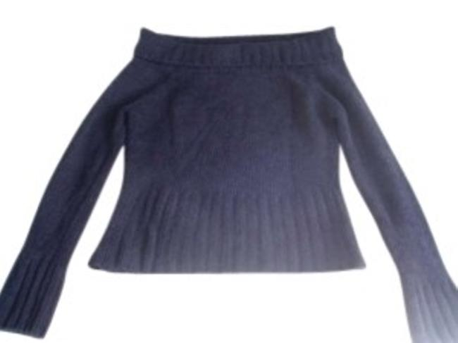 Preload https://item2.tradesy.com/images/white-house-black-market-off-the-shoulder-sweaterpullover-size-8-m-131201-0-0.jpg?width=400&height=650