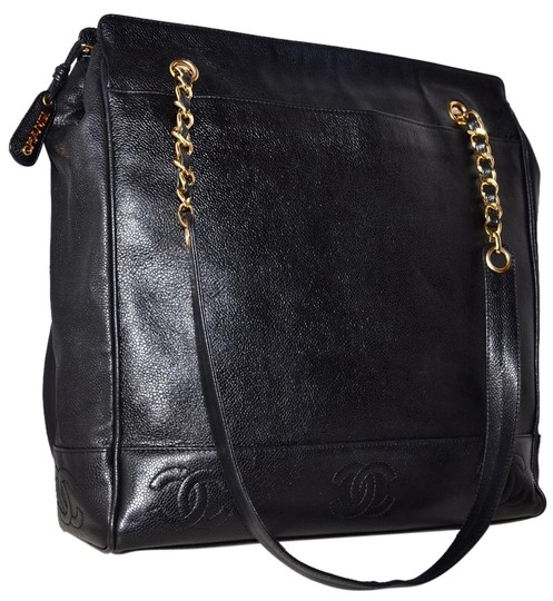 Preload https://item1.tradesy.com/images/chanel-caviar-jumbo-size-1425-inch-with-gold-chain-strap-details-black-leather-shoulder-bag-1312060-0-1.jpg?width=440&height=440