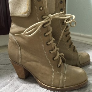 Shoelicious Tan Boots
