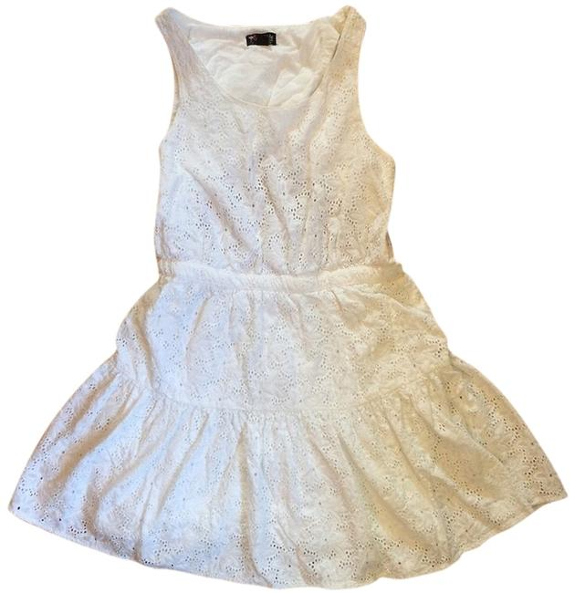 Item - White Above Knee Short Casual Dress Size 8 (M)