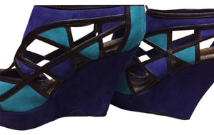 Gianni Bini Wedge Blue Wedges