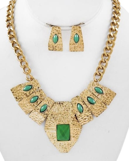 Other Antique Gold Tone / Green Acrylic / Lead&nickel Compliant / Necklace & Post Earring Set