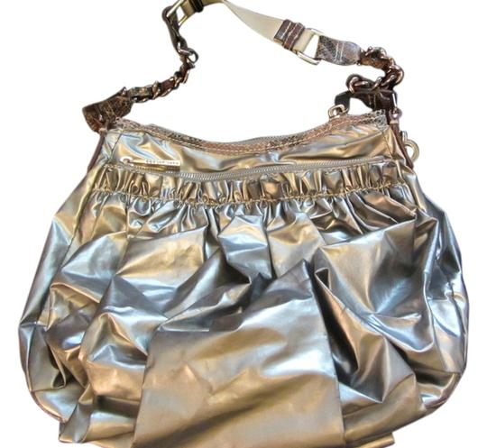 Preload https://img-static.tradesy.com/item/13126153/marc-jacobs-metallic-silver-hobo-bag-0-1-540-540.jpg