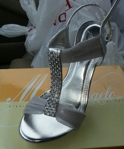 Michaelangelo Metallic Silver Formal Size US 8 Regular (M, B)