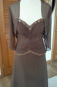 Montage Brown Formal Bridesmaid/Mob Dress Size 6 (S)