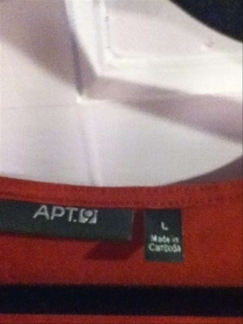 Apt. 9 Top Red