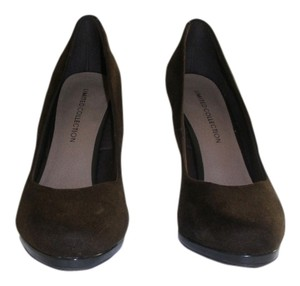 Limited Collection Brown Pumps
