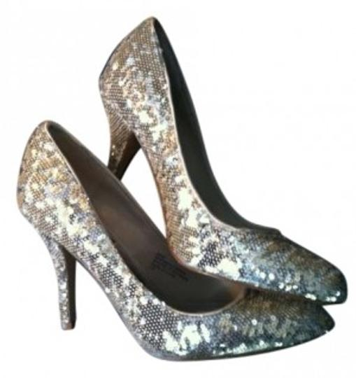 Preload https://item4.tradesy.com/images/white-house-black-market-goldsilver-adie-pumps-size-us-7-131328-0-0.jpg?width=440&height=440
