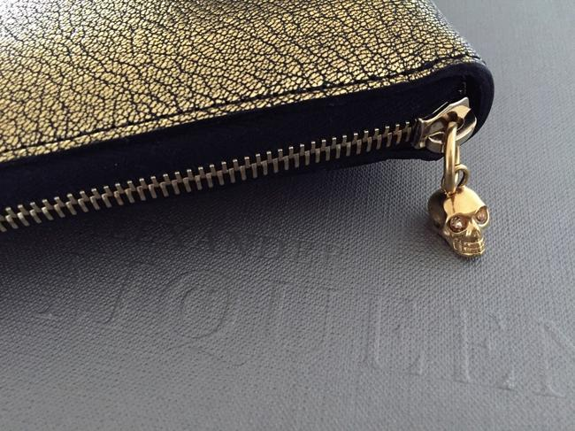 Item - Gold Skull Charm Zip-around Tablet / Ipad Case Tech Accessory