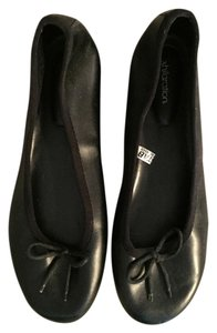 Xhilaration Bow Chic Black Flats
