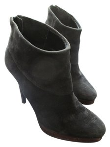 Steve Madden Suede Stacked Heel Black/Brown Boots