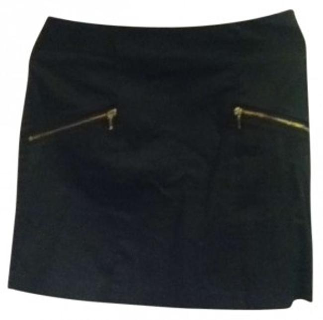 Preload https://item2.tradesy.com/images/h-and-m-black-miniskirt-size-12-l-32-33-131366-0-0.jpg?width=400&height=650
