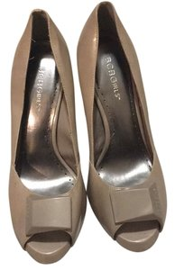 BCBGeneration Taupe Pumps