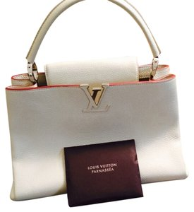 Louis Vuitton Tote in Off-white