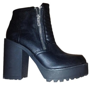 Divided by H&M Chunky Comfy Stylish Black Boots