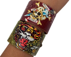 Ed Hardy Set of 2 Ed Hardy Leather Tattoo Art Cuff Bracelets (Unisex)