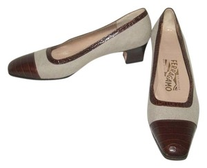 Salvatore Ferragamo Made In Italy Natural/Brown Pumps