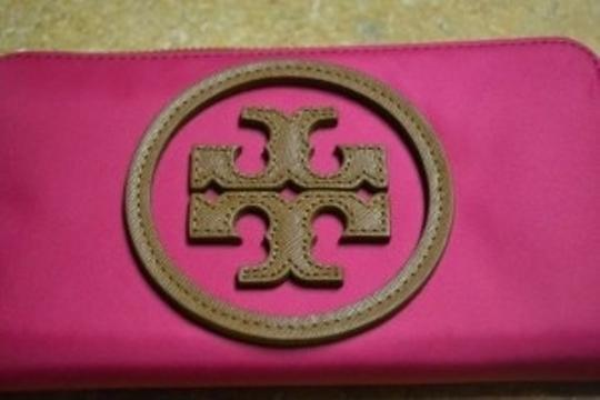 Tory Burch Tory Burch Logo Wallet