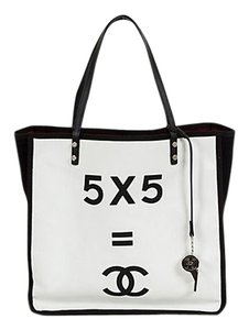 Chanel Iconic Beach Tote in White / Black