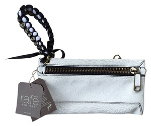 Rafe Wristlet in White