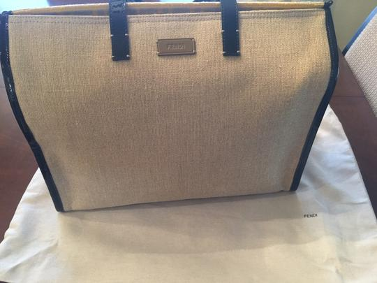 Fendi Made In Italy. Tote in Natural and Black