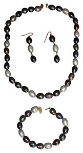 Gorgeous Genuine Tahitian pearls new necklace, bracelet, earrings!