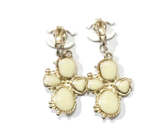 Chanel Authentic Chanel Light Gold CC Ivory Stone Cross Clip on Earrings Image 3