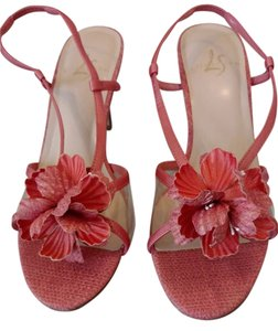 LifeStride Strappy Design Flower Accent Wood Look Heels 3 1/2 Inch Heels Coral Sandals