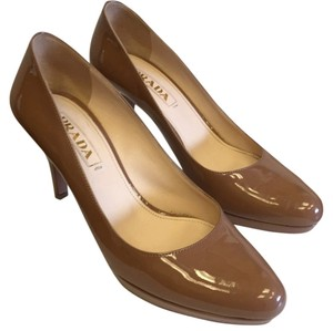 Prada Beige / brown Pumps