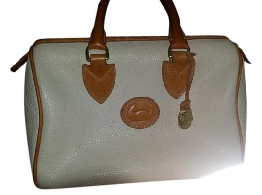 Preload https://img-static.tradesy.com/item/13163395/dooney-and-bourke-all-taupe-leather-satchel-0-1-540-540.jpg