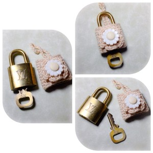 Louis Vuitton Authentic Louis Vuitton Lock And Key #322
