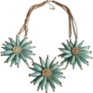 Macy's awesome, FUN, gorgeous flower necklace