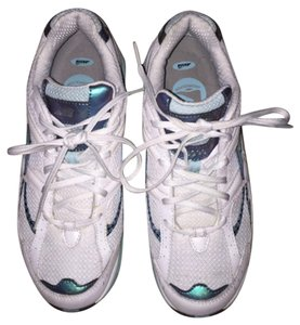 Avia White Athletic