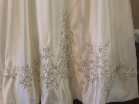 Allure Bridals Ivory/Silver Satin 8759 Traditional Dress Size 10 (M)