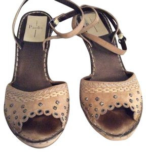 Paolo Beige Wedges