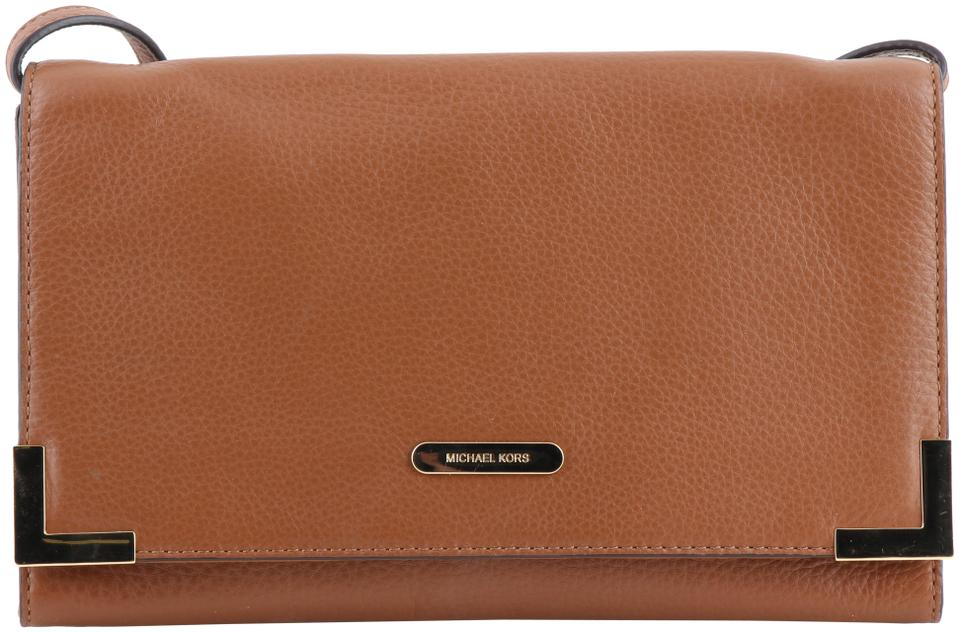 34e76bc5551d Michael Kors Leather Oversized Clutch Flap Over Goldtone Hardware Cross  Body Bag Image 0 ...