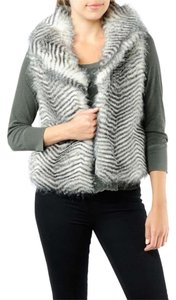 BB Dakota Faux Fur Clasic Chic New York Vest
