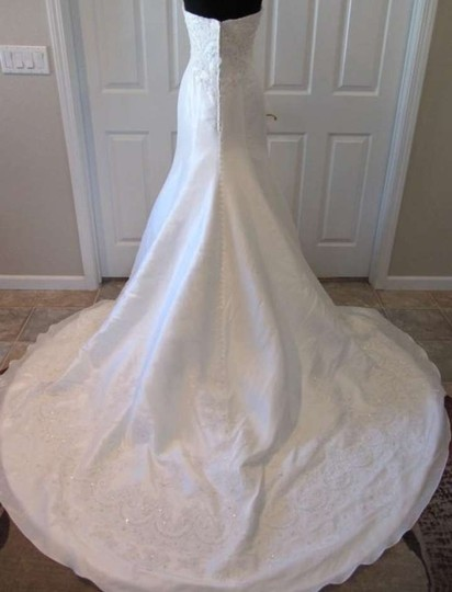 Casablanca Diamond White Silky Taffeta 1902 Wedding Dress Size 6 (S)
