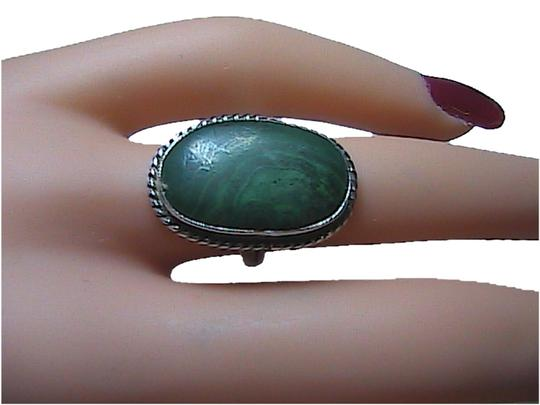 Vintage Sterling Silver Oval Shaped Malachite Ring (#a)
