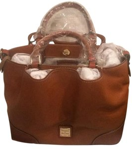 Dooney & Bourke Satchel in Caramel