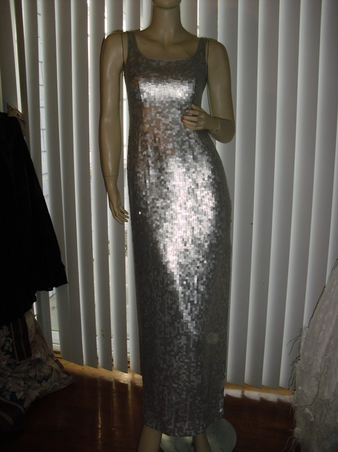 Saks Fifth Avenue Silver Fully Sequin Evening Formal Gown Long Night Out Dress Size 2 (XS) Saks Fifth Avenue Silver Fully Sequin Evening Formal Gown Long Night Out Dress Size 2 (XS) Image 3