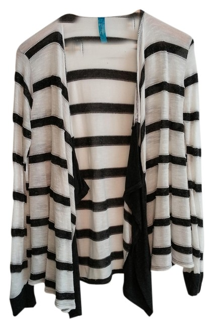 Item - And Black/Charcoal Medium Excellent Condition White Black/Gray Stripes Sweater
