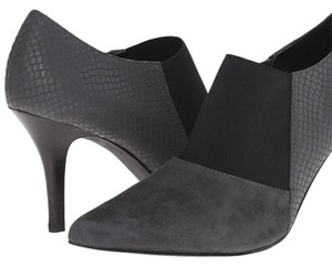 Tahari Grey/Black Boots